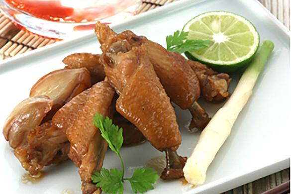 鶏手羽中の黒酢ニンニク煮