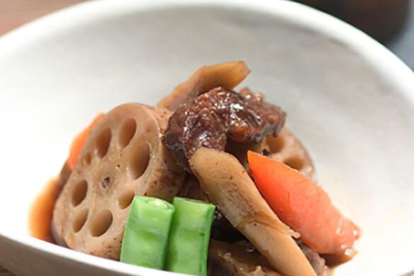 牛スネ肉と根野菜のおふくろ煮