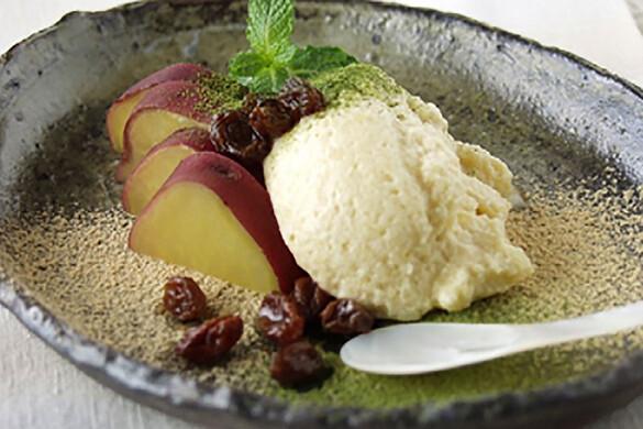 サツマイモのかる〜いムース 抹茶ときな粉かけ