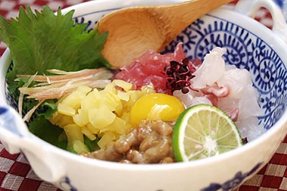 魚介と納豆のユッケ