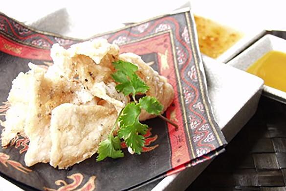 鶏ささ身のチャイニーズチップス スイートチリソース&マンゴーチリソース
