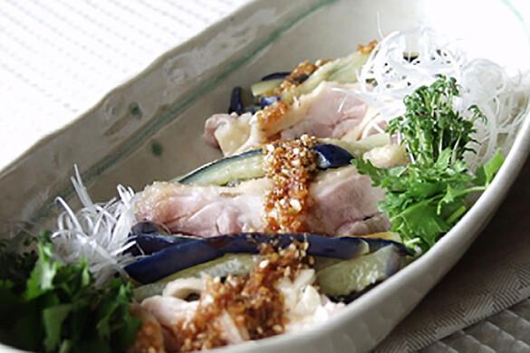 蒸し鶏とナスの韓国風冷菜