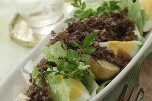 野菜と卵のサラダ和牛ドレッシング