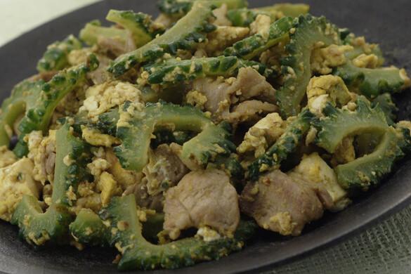 豆腐とゴーヤのカレー風味チャンプル