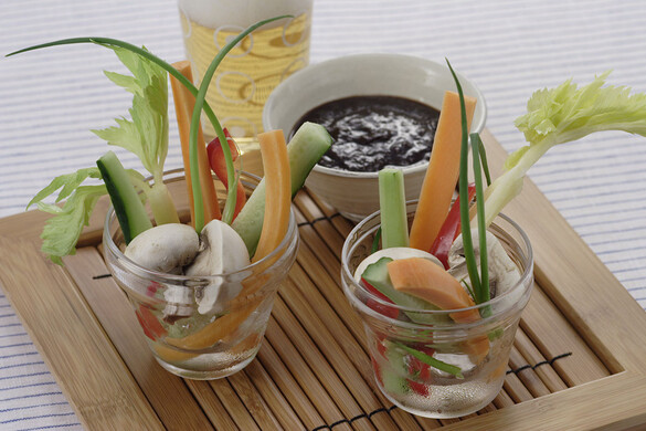 夏野菜サラダのニンニク味噌