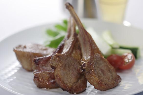骨つきラムロース肉のショウガ焼き