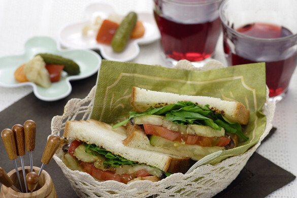 丸ナスのサンドイッチ
