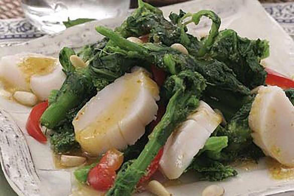 菜の花とホタテのエスニックサラダ