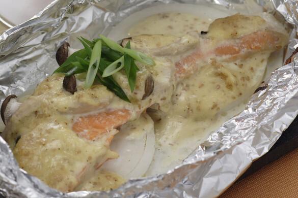 秋鮭のホイル味噌マヨ焼き