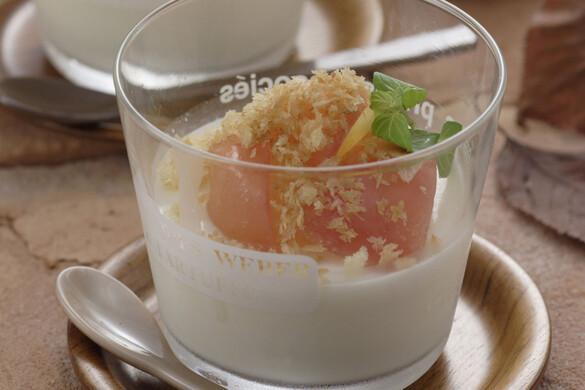 ふるふる杏仁のリンゴパイ
