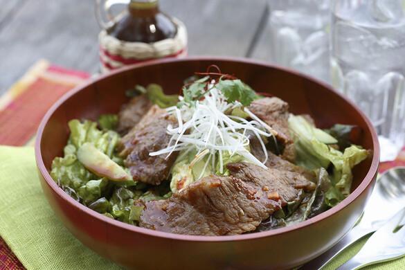 韓国風焼肉のボリュームサラダ
