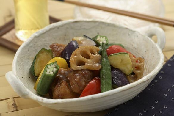 鶏と彩り野菜の黒酢あんかけ