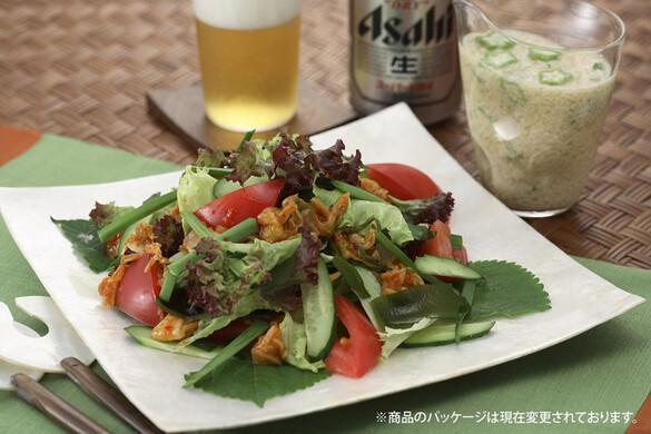キムチとトマトのサラダ