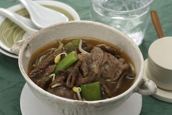 牛すじとぜんまいの辛いスープ煮