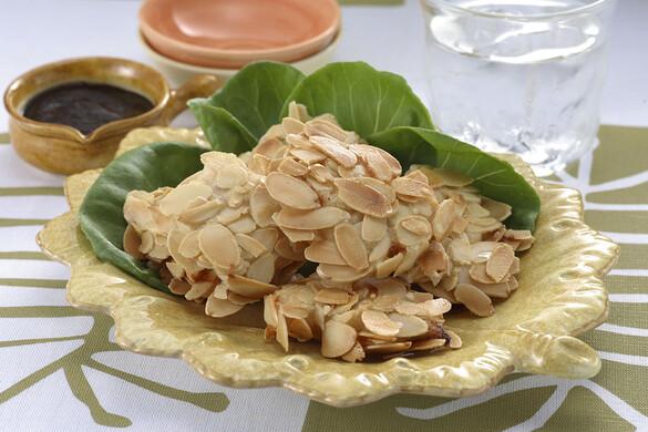 鶏ささ身のアーモンド揚げ焼き