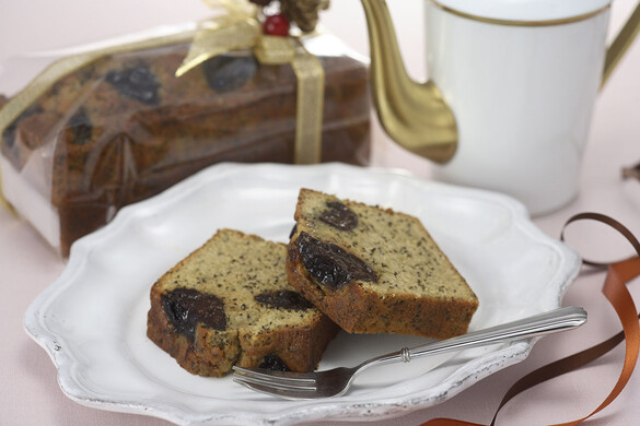 プラムと紅茶のパウンドケーキ