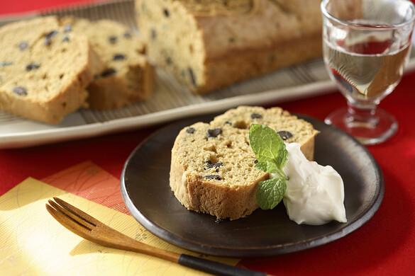 黒豆と黒糖のパウンドケーキ