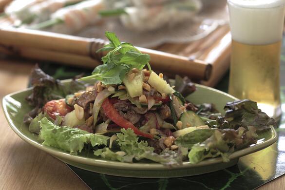 ヤム・ヌア 牛肉のピリ辛サラダ