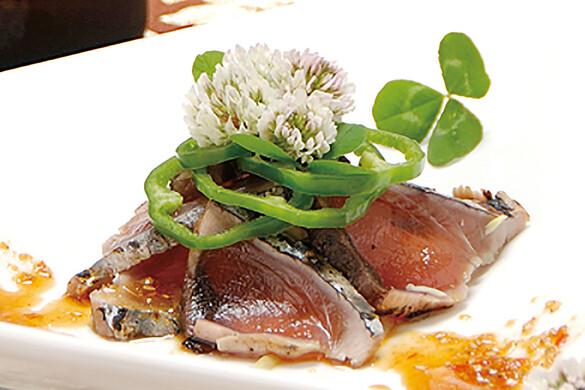 旬カツオのたたき 柚子コショウ風味のカルパッチョ