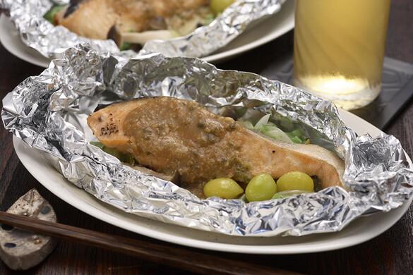 鮭のホイル焼き 柚子コショウ味噌風味