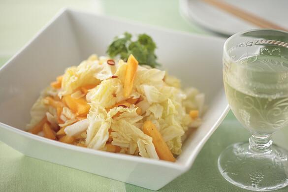 白菜と柿のパリッとサラダ