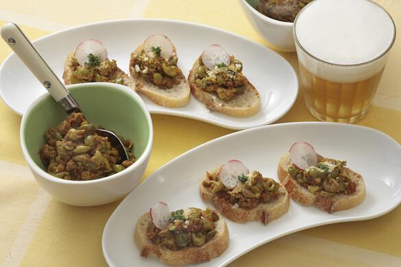 挽き肉とグリーンピースのカナッペ