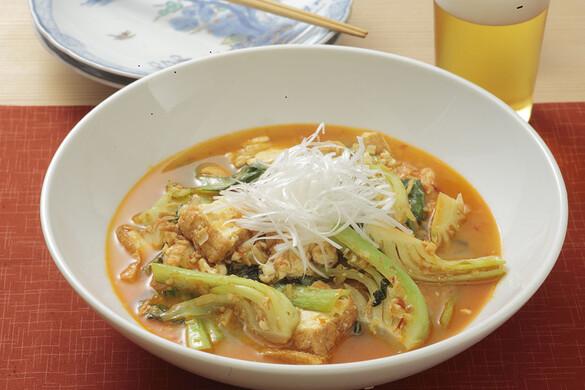 チンゲン菜と厚揚げの辛味噌炒め