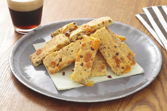 ビーフジャーキーとチーズの薄焼きスコーン