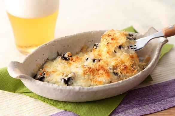 オイルサーディンとオリーブのチーズ焼き