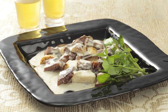 サイコロステーキのブルーチーズソース