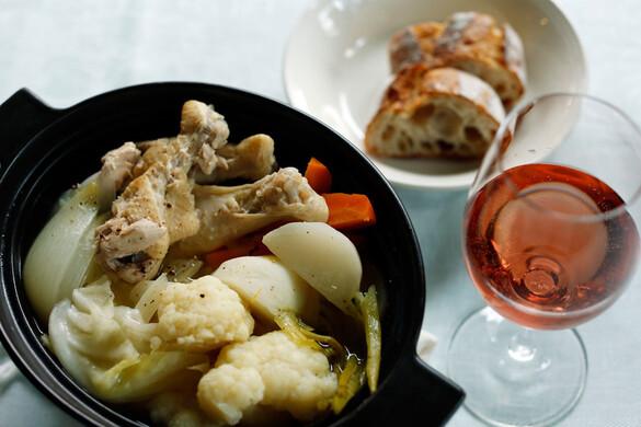 骨付き鶏と冬野菜のポトフ