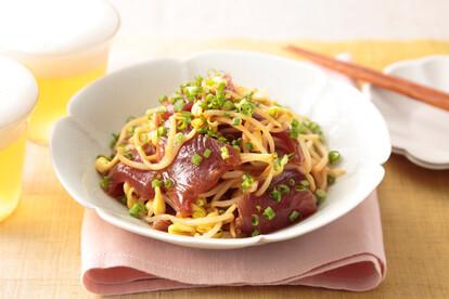 カツオと豆もやしの韓国風和えもの