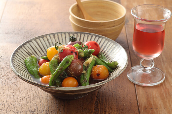 シシトウとミニトマトの焼き浸しショウガ風味