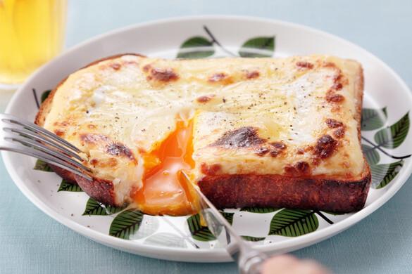 とろーり卵のマヨチーズパン〜簡単3stepおつまみ〜