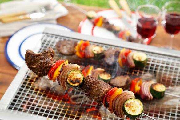 牛肉と野菜のスパイシー串焼き