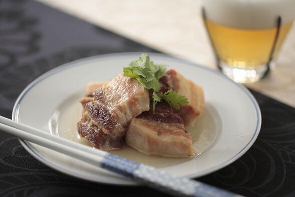豚肉のナンプラー煮込み