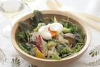 ポーチドエッグと温野菜のシーザーサラダ