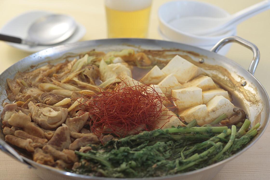 春菊たっぷりモツ鍋(味噌味)