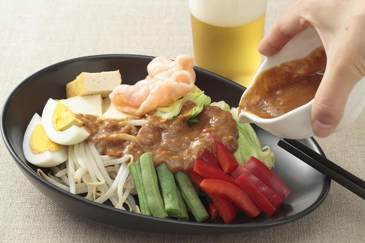 温野菜のピーナッツソースサラダ 〜ガドガド〜